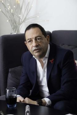"""FranceInfo:Autorisation des soins funéraires pour les séropositifs : """"Une discrimination qui tombe"""", selon Jean-Luc Romero"""