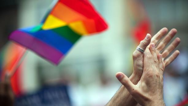 L'homophobie tue - Homophobia killed 50 victims