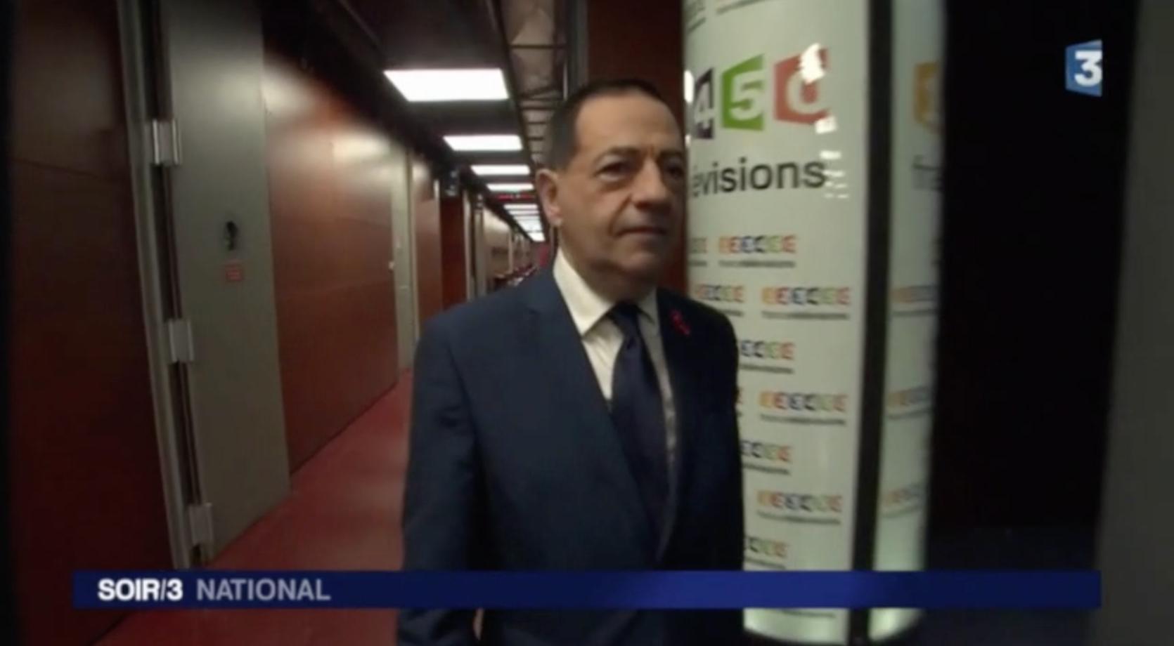 """VIDEO - """"Derrière le mot sida, il y a des hommes et des femmes"""" - Jean-Luc Romero-Michel invité du Soir 3"""