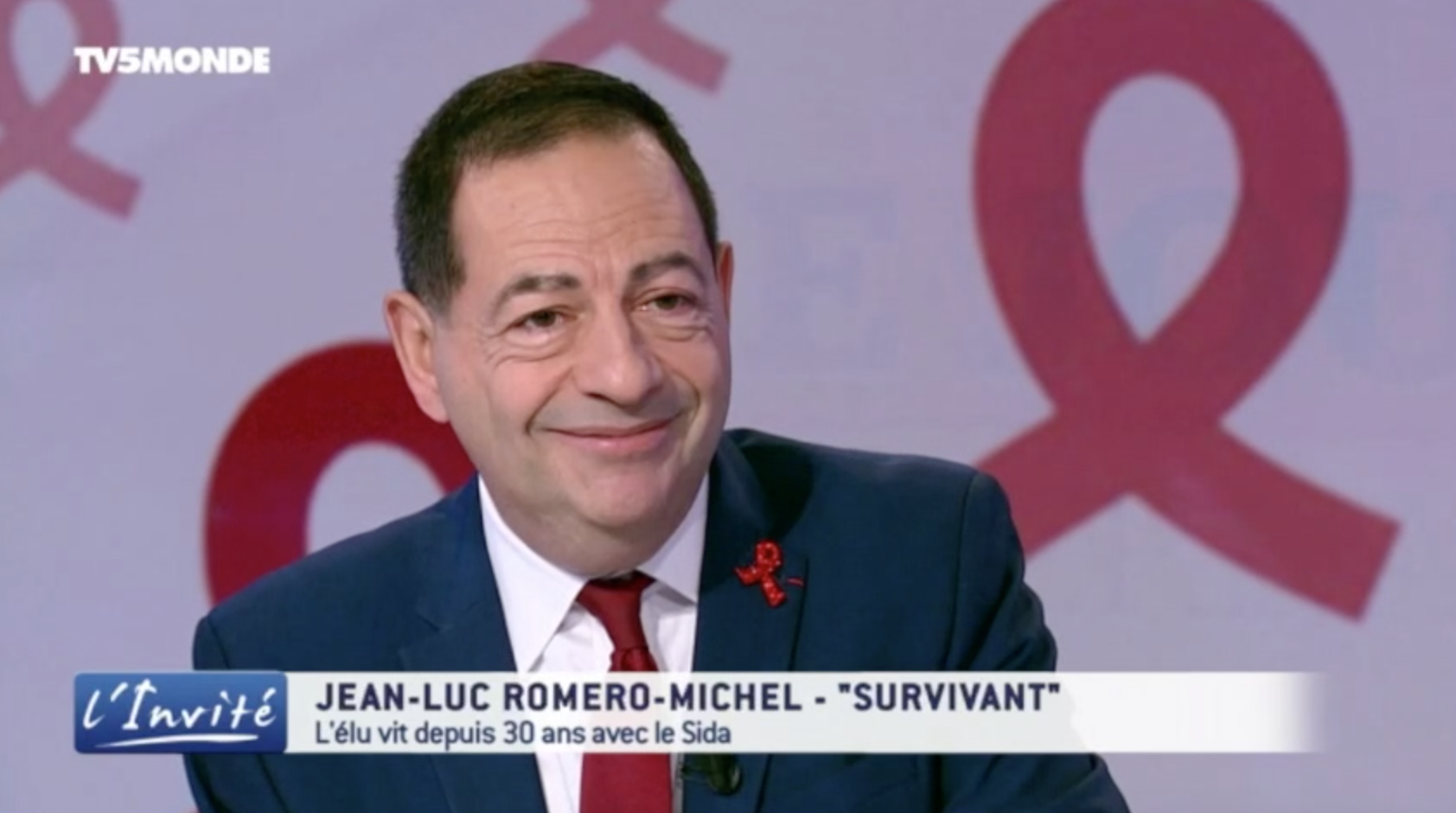 """VIDEO """"Des gens meurent encore du sida dans le monde"""" Jean-Luc Romero-Michel sur TV5 Monde"""